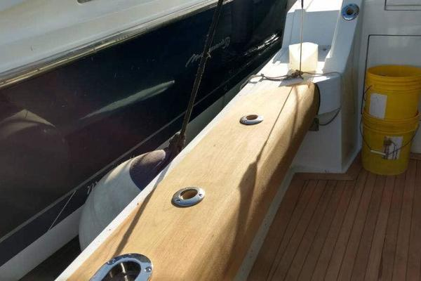 2006 Hatteras 50' 50 Convertible  | Picture 5 of 43