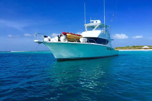 Picture Of: 50' Hatteras 50 Convertible 2006 Yacht For Sale | 4 of 43