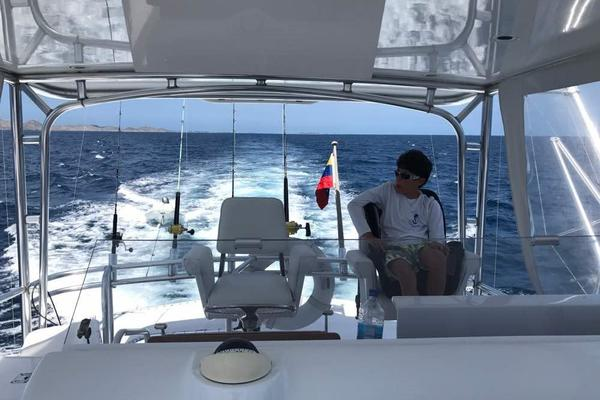 2006 Hatteras 50' 50 Convertible  | Picture 4 of 43