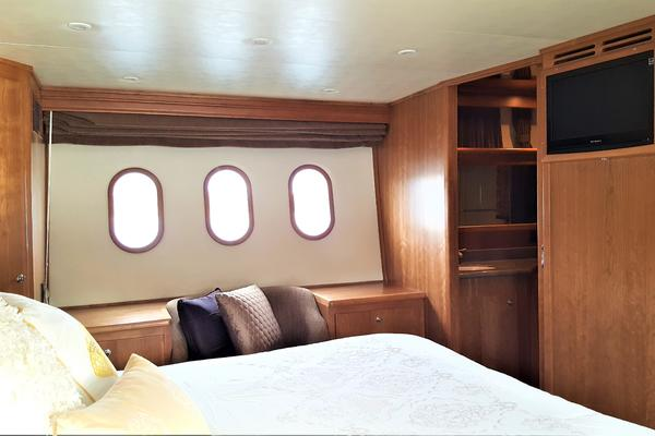 2012Navigator 55 ft 55 Pilothouse   Lady Phoenix