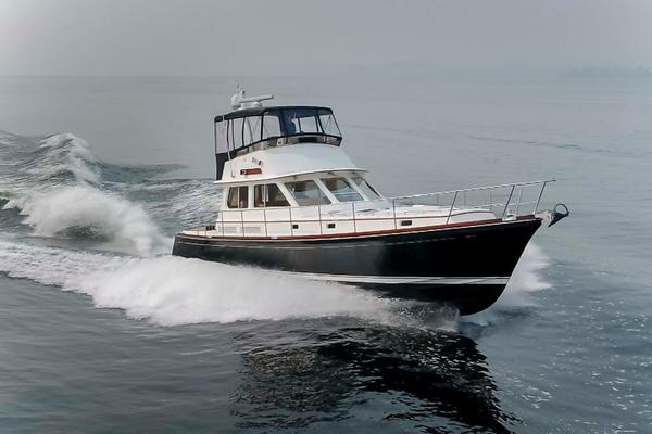 49' Alden Flybridge Express 49 2007 | Northern Light