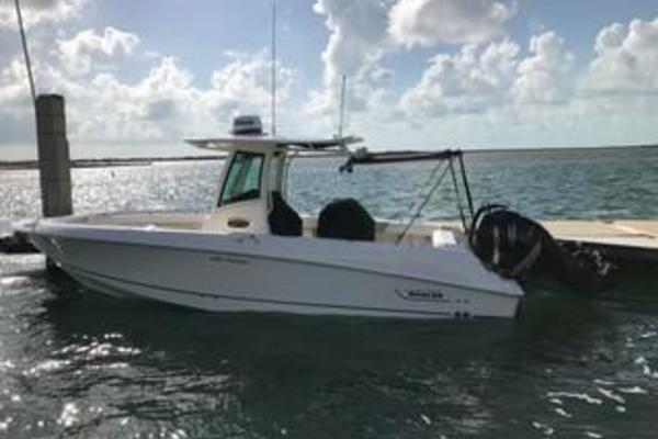 28' Boston Whaler 280 Outrage 2016 | Reel Gem