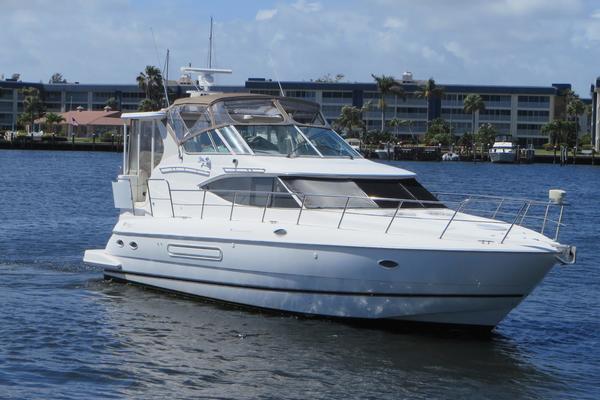 Cruisers Yachts 4450 Motoryacht