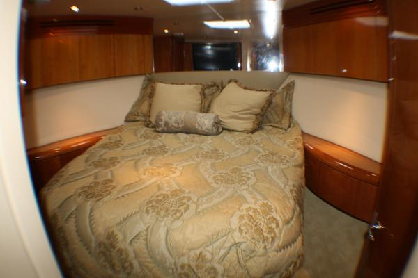 2004 Hatteras 54' 54 Convertible  | Picture 2 of 42
