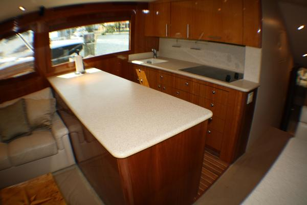 2004 Hatteras 54' 54 Convertible  | Picture 6 of 42