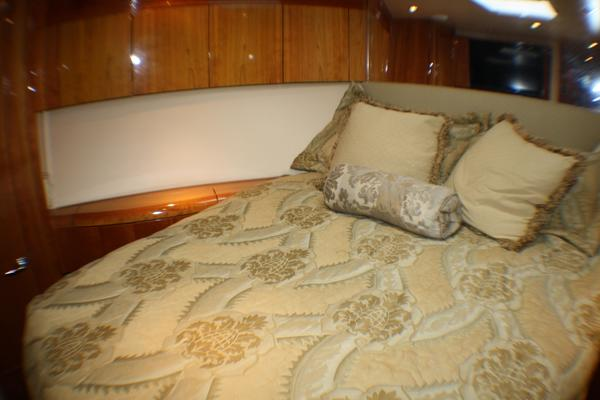 2004 Hatteras 54' 54 Convertible  | Picture 3 of 42