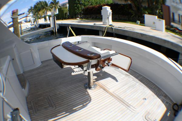 Picture Of: 54' Hatteras 54 Convertible 2004 Yacht For Sale | 4 of 42