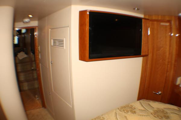 2004 Hatteras 54' 54 Convertible  | Picture 4 of 42