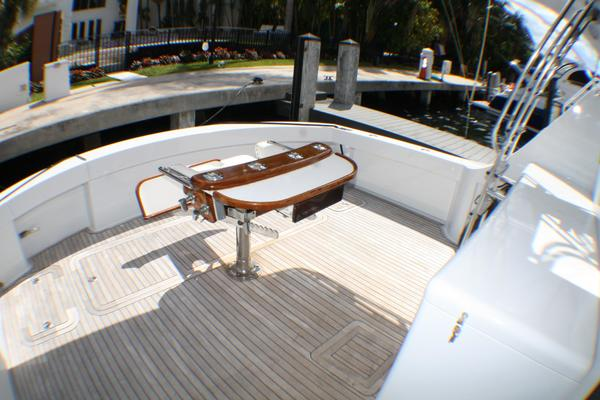 Picture Of: 54' Hatteras 54 Convertible 2004 Yacht For Sale | 3 of 42