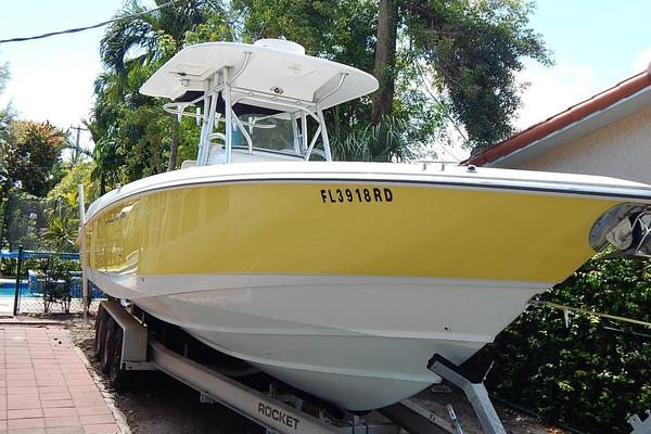Boston Whaler 32' 320 Outrage 2005