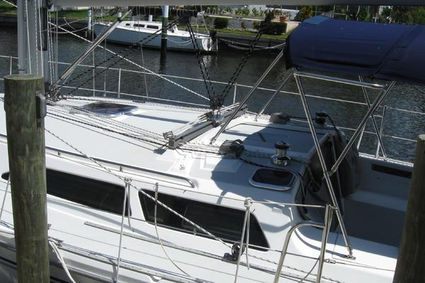 2005Catalina 34 ft 34 MkII   OFF THE GRID