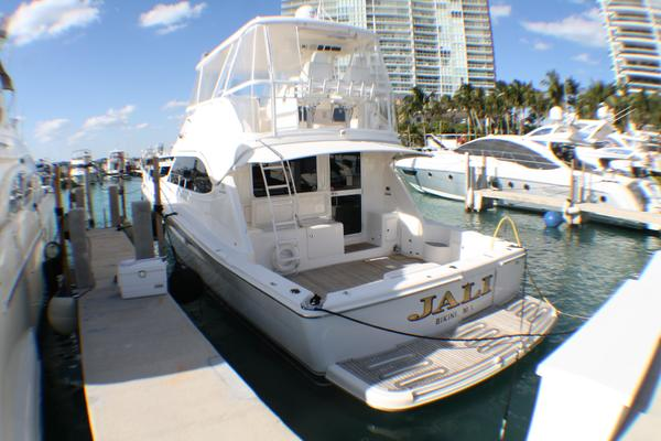 Picture Of: 51' Riviera 51 CONVERTIBLE 2007 Yacht For Sale | 4 of 38