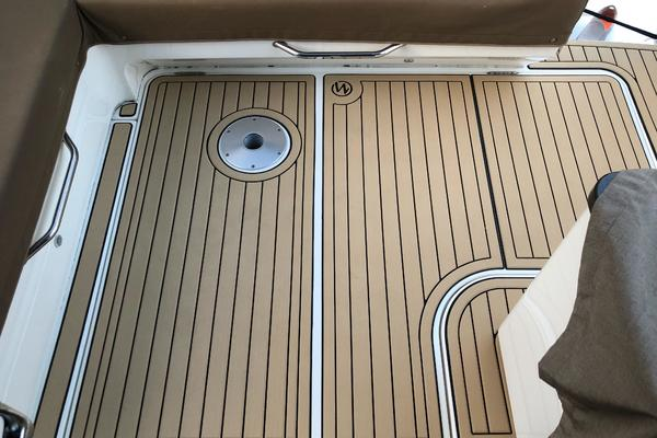 Picture Of: 47' Sea Ray 470 Sundancer 2015 Yacht For Sale | 3 of 124