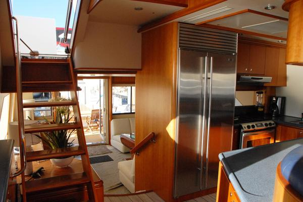 2003 West Bay 68' Sonship ROOM SERVICE | Picture 6 of 26