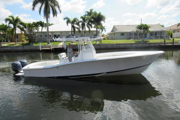 31' rybo runner by Defender Yacht Group 2002
