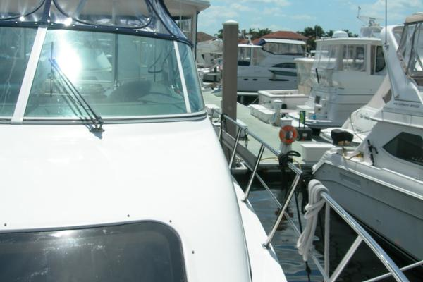 2006Cruisers Yachts 45 ft 455 Express Motor Yacht   Serenity