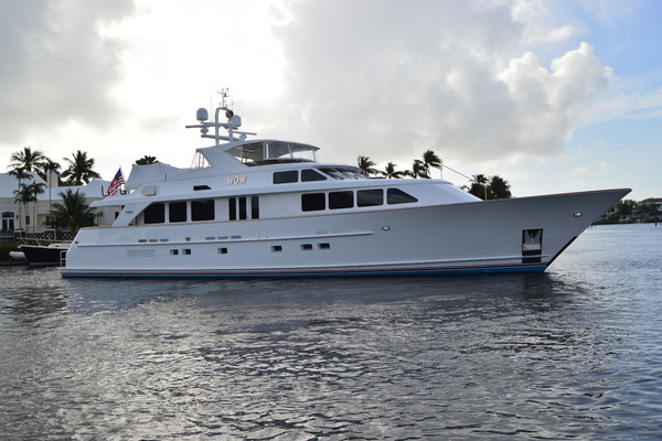 106' Burger 106 Raised Pilothouse 2004 | WOW