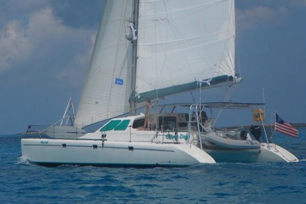 43' Voyage Yachts 430 Owner's Version 1998 | Glory Days
