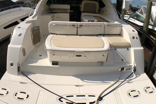 Picture Of: 47' Sea Ray 470 Sundancer 2012 Yacht For Sale | 3 of 57