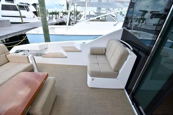 2014Tiara 50 ft 50 Coupe   Pops Place