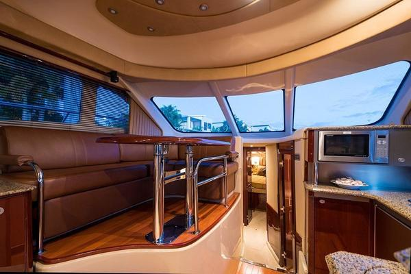 Picture Of: 52' Sea Ray 52 Sedan Bridge 2007 Yacht For Sale | 2 of 10