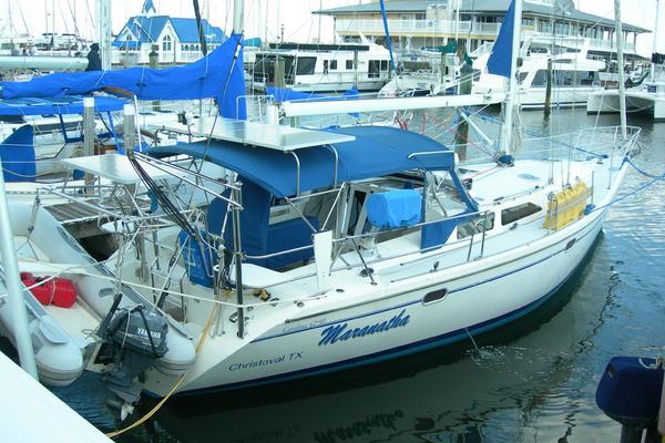 42' Catalina 42mkii 2000 | Maranatha