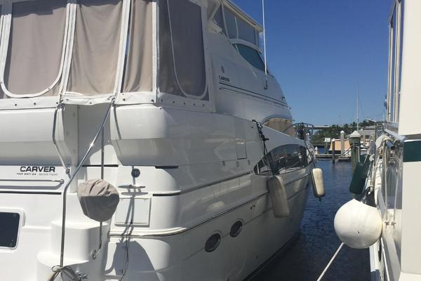Picture Of: 46' Carver 466 Hard Top Motor Yacht 2001 Yacht For Sale   3 of 71