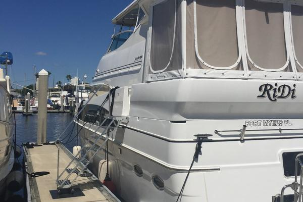 46' Carver 466 Hard Top Motor Yacht 2001 |