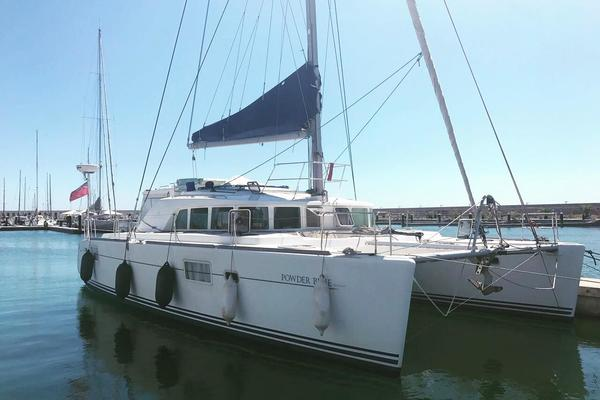2006Lagoon 44 ft 440   Powder Blue
