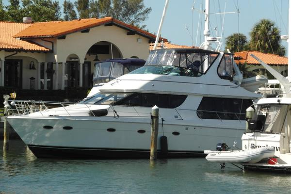 53' Carver 530 Voyager Pilothouse 2001 | Crown Wreath