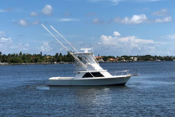32' Blackfin Flybridge 1984 | Darlyn Marlyn