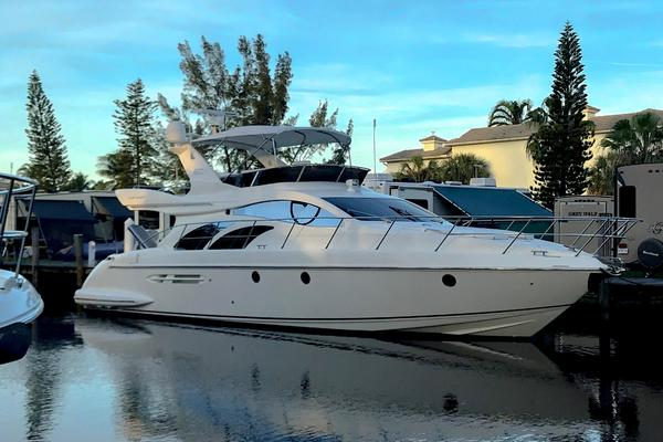 2005 Azimut 50' 50  | Picture 1 of 9