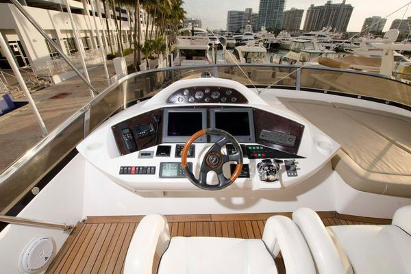 2006Sunseeker 82 ft 82 Yacht   Samara