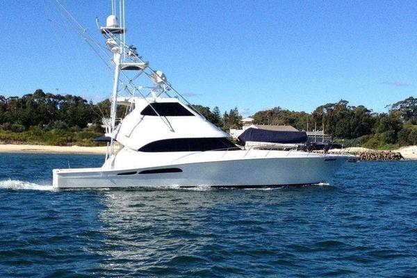 64' Riviera 58 Enclosed Flybridge 2004 | Christina