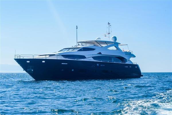 111' Sunseeker 34 Metre Yacht 2012 | Lunarossa