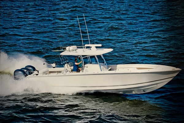 38' Jupiter 38 HFS 2015 | Lights Out