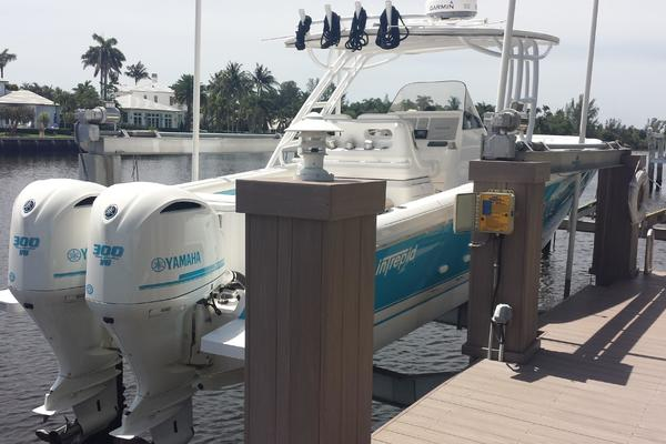 32' Intrepid 327 Center Console 2014 | Stella Blue