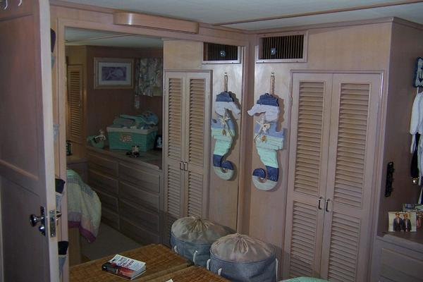 1989 CHB 48' Seamaster Sundeck Com Monday | Picture 5 of 69
