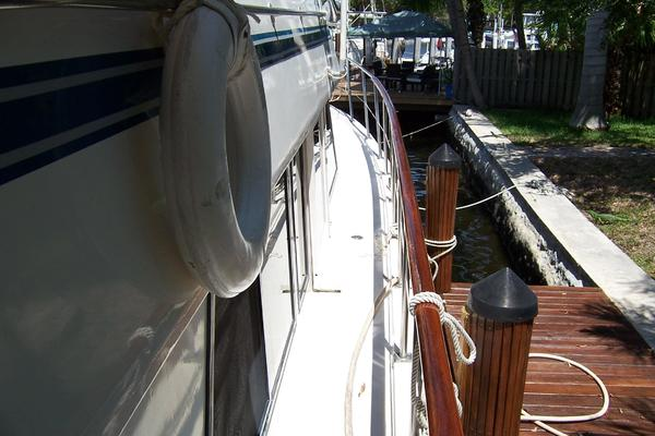 1989 CHB 48' Seamaster Sundeck Com Monday | Picture 8 of 69
