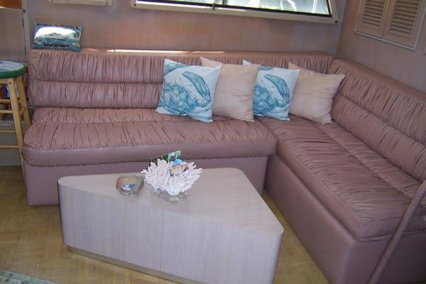 1989 CHB 48' Seamaster Sundeck Com Monday | Picture 2 of 69