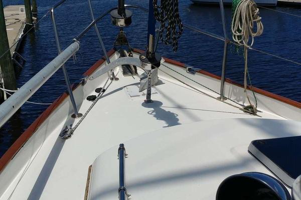 1984Slocum 37 ft 37 Cutter   Manana