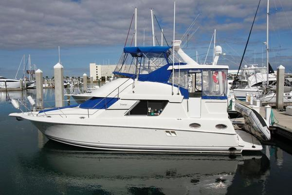 1997Silverton 37 ft 372 Twin Diesel Motor Yacht   Hoosier Daddy