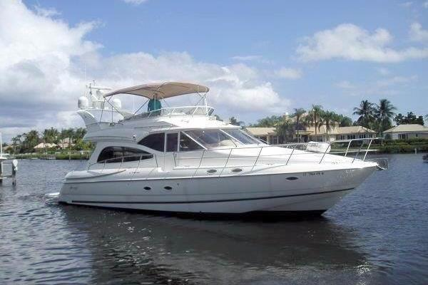 Cruisers Yachts 50' 5000 Sedan Sport 2001