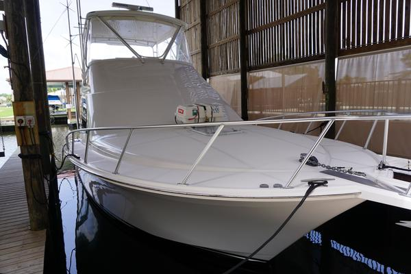 Picture Of: 40' Cabo 40 Flybridge 2005 Yacht For Sale | 3 of 60