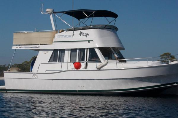 39' Mainship 390 Trawler 2000 | CUTTYHUNK
