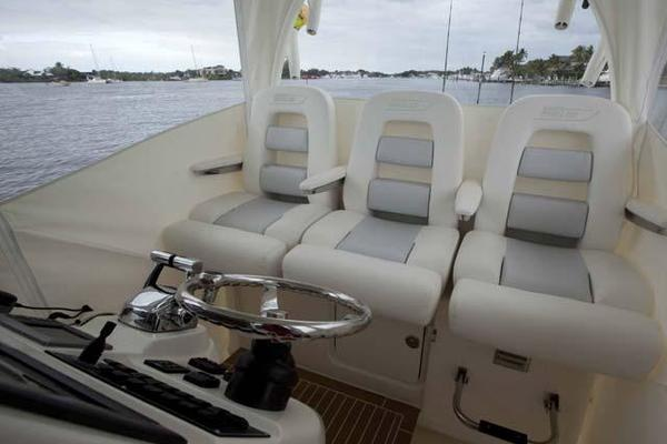 2016Boston Whaler 37 ft 370 Outrage   NO FEAR