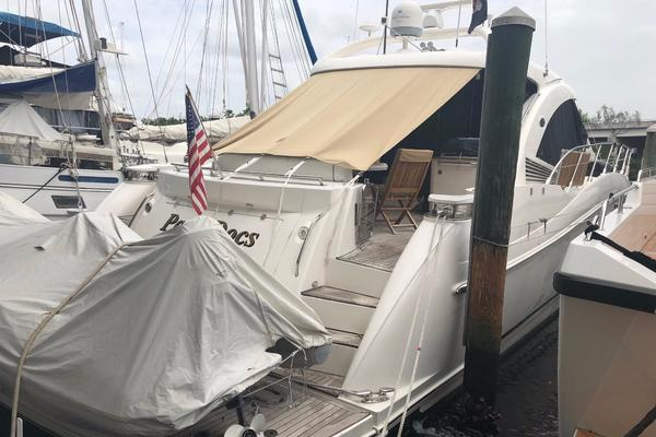 2007Sea Ray 60 ft 60 Sundancer   PARA DOCS