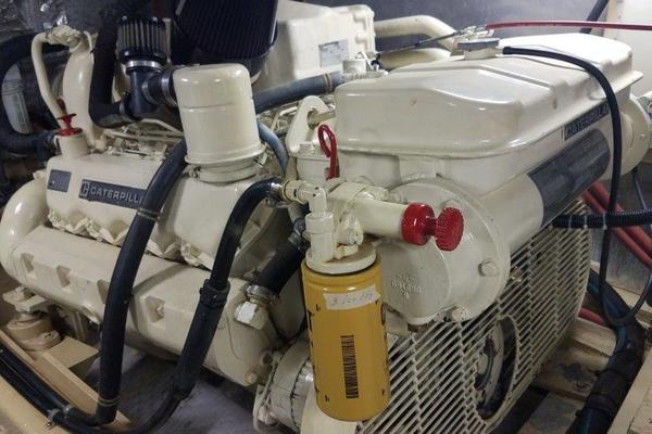1988Californian 45 ft Motor Yacht   DARRRRR She Goes