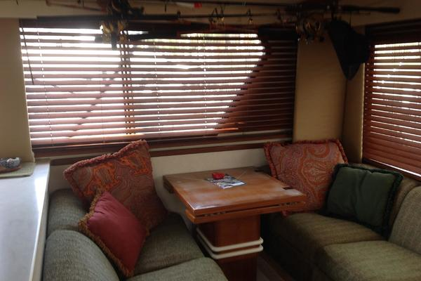 1989 Hatteras 52' 52 Convertible Sea Horse    Picture 5 of 11