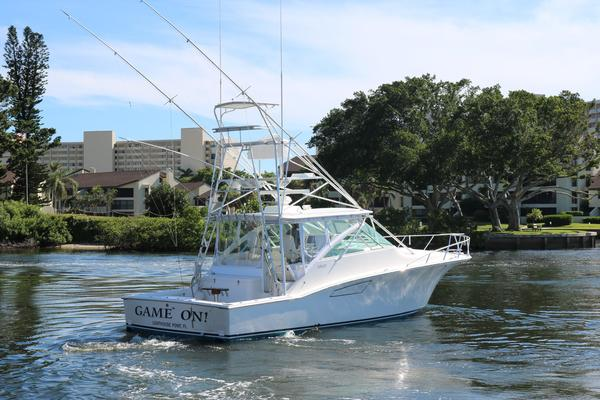 2005Cabo 40 ft Express   Game On